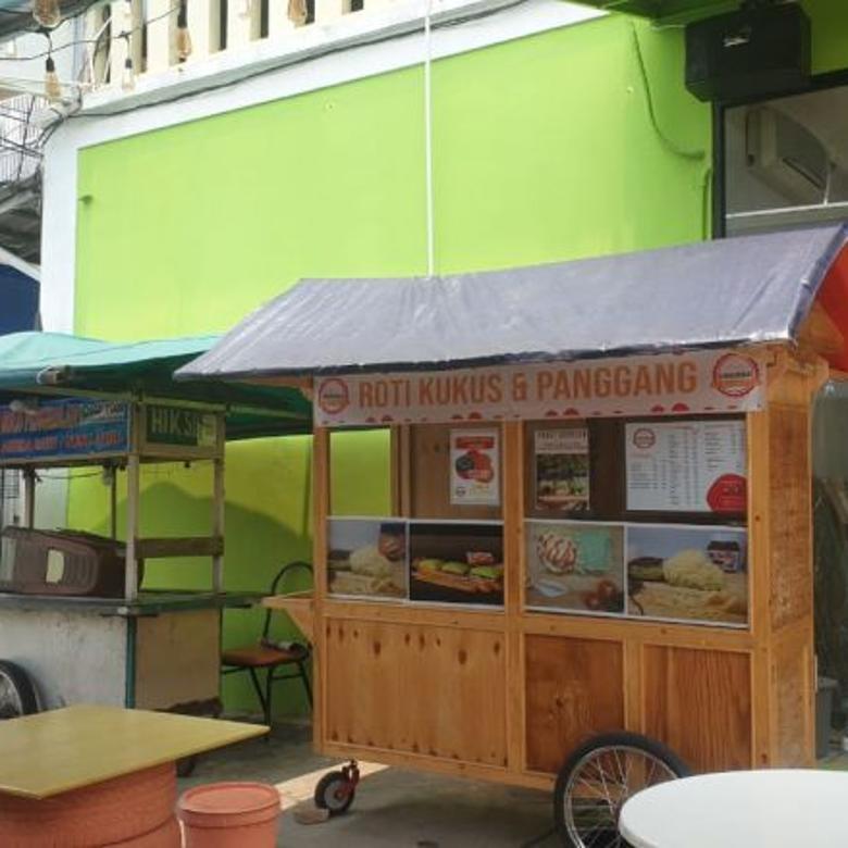 Dijual Rumah dan kios Siap Huni di Bulevard Hijau