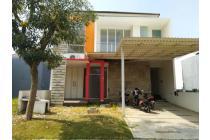 Rumah Imperial Beach Pakuwon City, Strategis