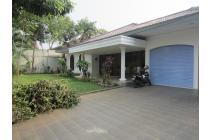 Nice House In Quiet Area With Pool and Garden @ Kemang