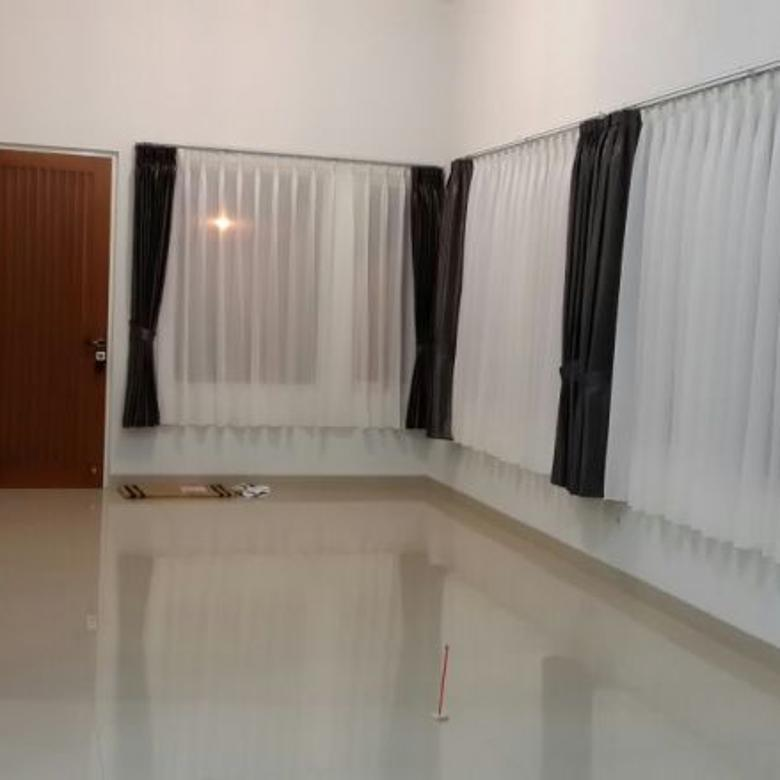 Jual rumah hoek di Kota Baru Parahyangan tatar Mayang Sunda