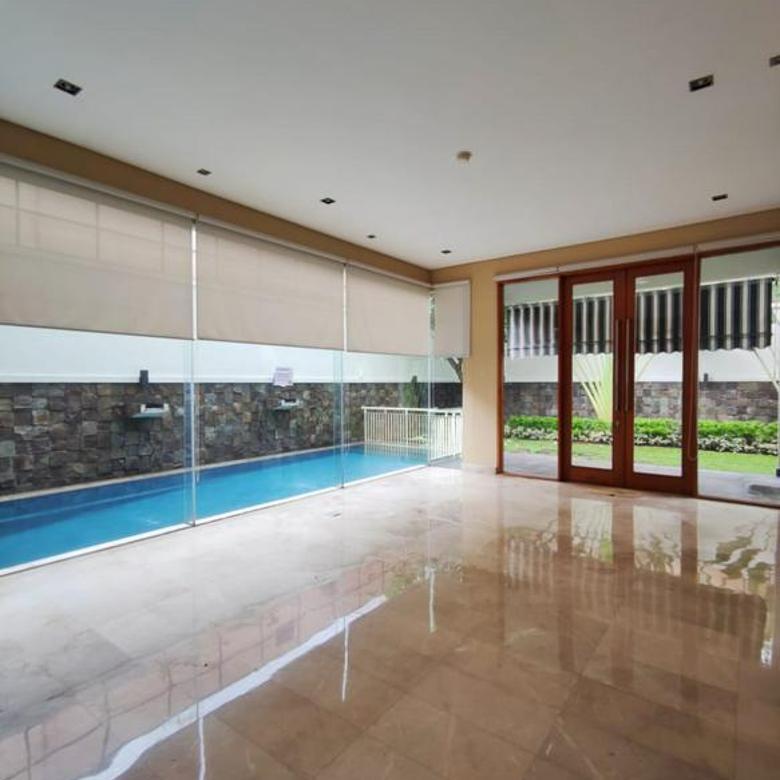 Rumah Townhouse modern, cantik dan nyaman di Kemang, Jakarta Selatan, cocok untuk keluarga anda