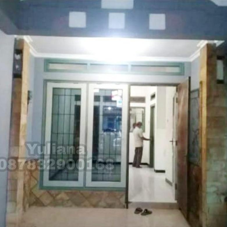 Rumah Bagus siap pakai di Perumahan Graha Padma, Semarang