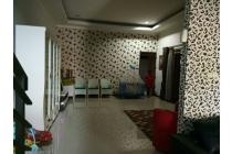 Rumah terawat dijual di Singgasana