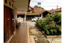 Rumah dijual dekat jalan raya Strategis di Bandung