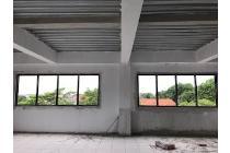 Disewakan bangunan multi guna dengan lokasi strategis