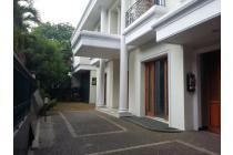 Disewakan Rumah Nyaman Bagus di Denpasar Kuningan Jakarta Selatan