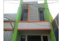 Ruko 2 lantai di kawasan padat penduduk Cilangkap Depok