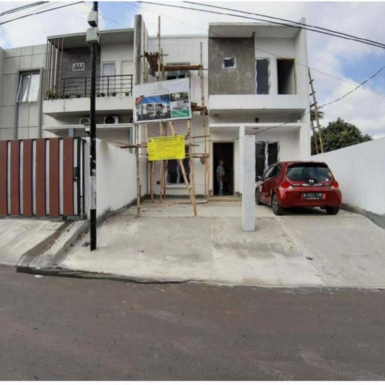 Rumah baru 2 lantai di kebayoran lama dekat tanah kusir, arteri pdk indah jalan 2 mobil