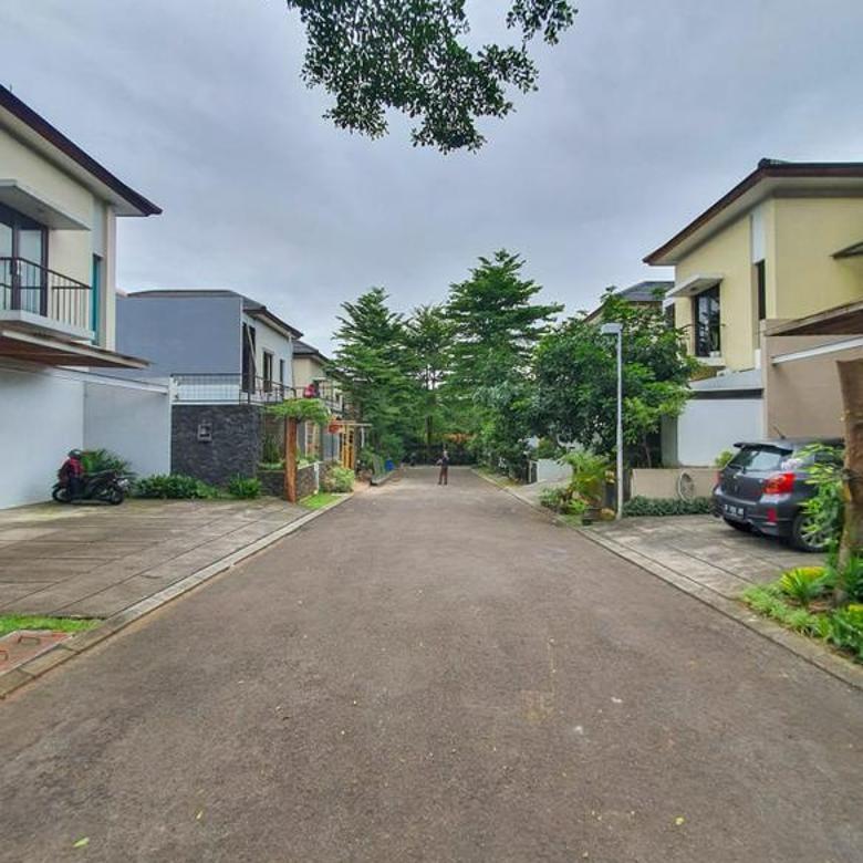Lebak Bulus - Tamarind Lane, Halaman Luas