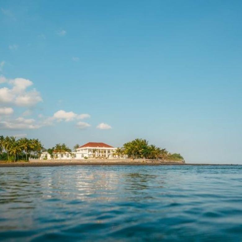 Beachfront Luxury Villa di Pantai Pasut Tabanan, Bali