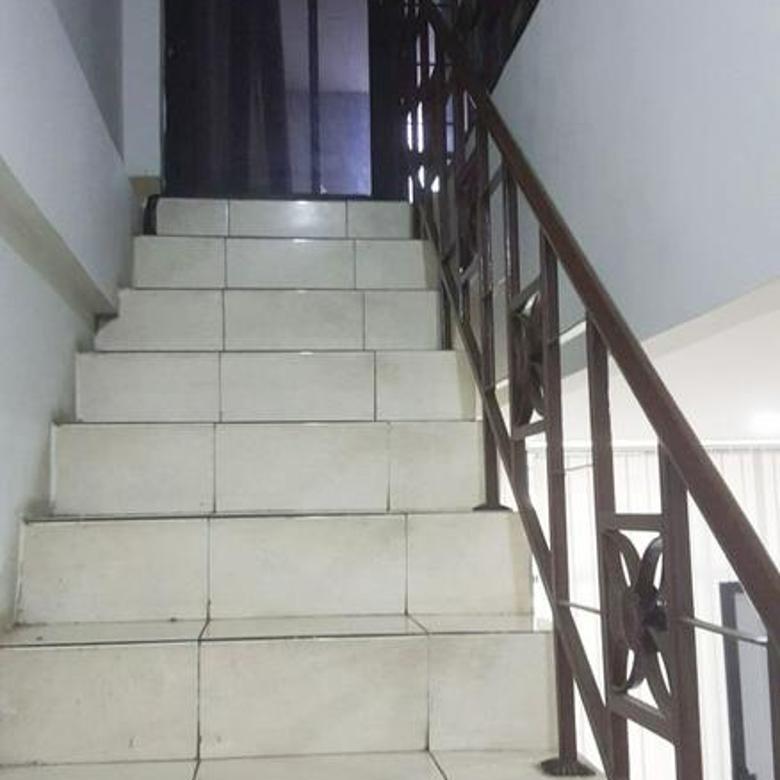 Ruko 3 lantai Siap Huni Bulevard Hijau, Kota Harapan Indah