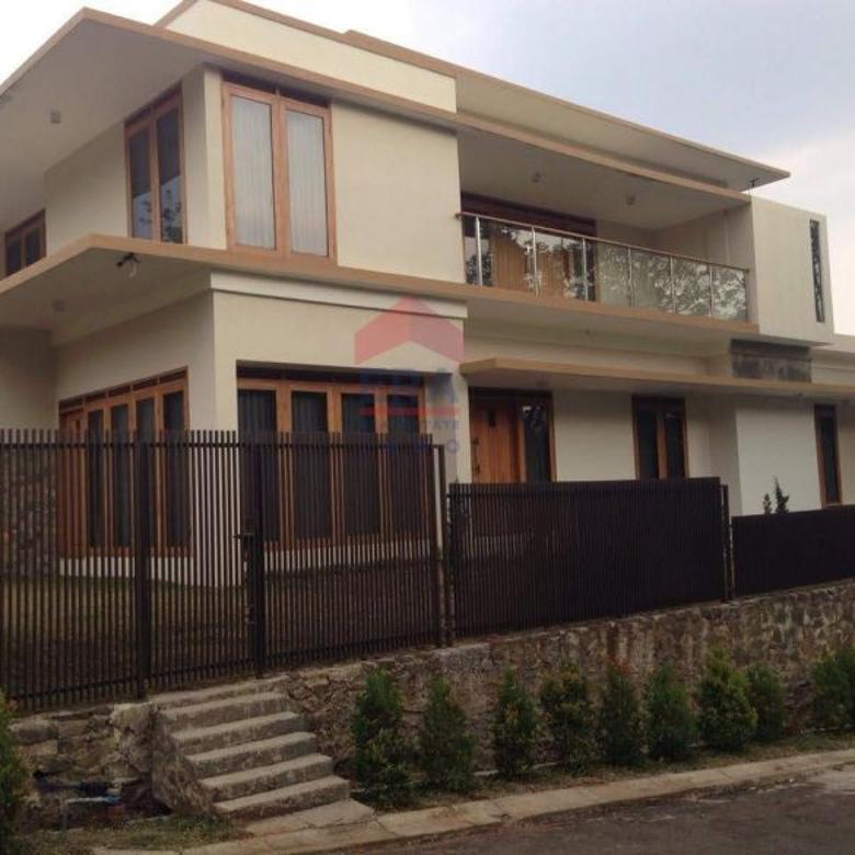Luxury Home Citra Green Dago, rumah 3 Lantai Siap Huni