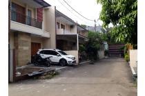 Rumah dengan fasilitas  Kolam Renang di Ciganjur Jagakarsa Jakarta Selatan
