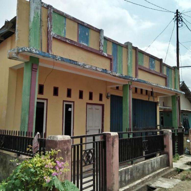 rumah berbentuk bedeng 2 pintu