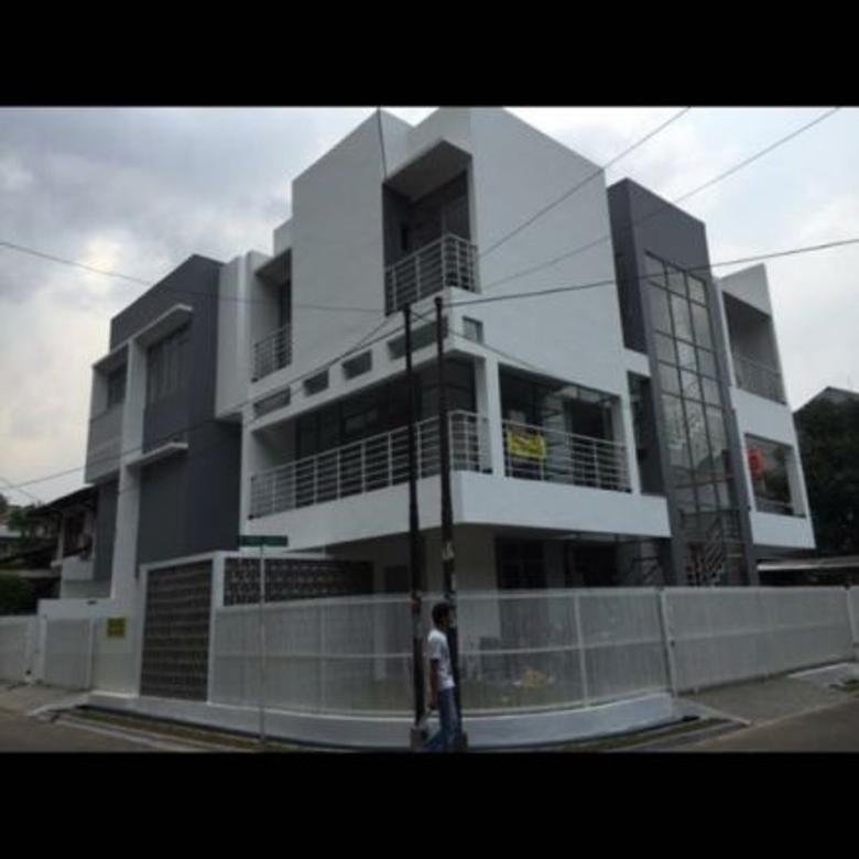 Baru.. Townhouse 3 Lantai LT 138 LB 274 di Pondok Indah