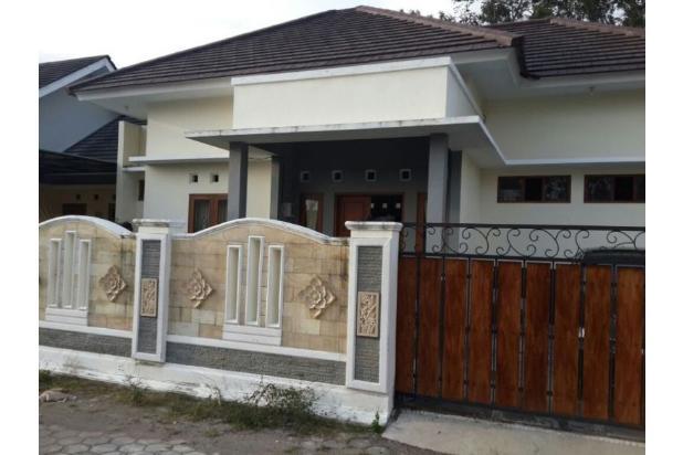 Terbaik Rumah Dijual di Jl Stadion Maguwoharjo, Dekat Jogja Bay 17825365
