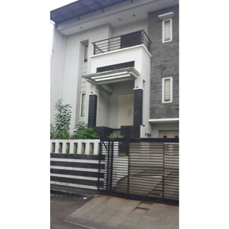 KODE : 02456, Rumah Kelapa Gading Luas 11x17 meter Hadap Timur,