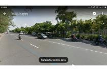 Tanah Pinggir Jalan Raya Depan Stadion Manaha