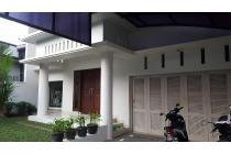 Rumah rapih dan terawat di Pondok Indah