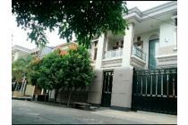 Rumah Baru Besar Megah Ruangan dan Kamar Luas di Pondok Kelapa