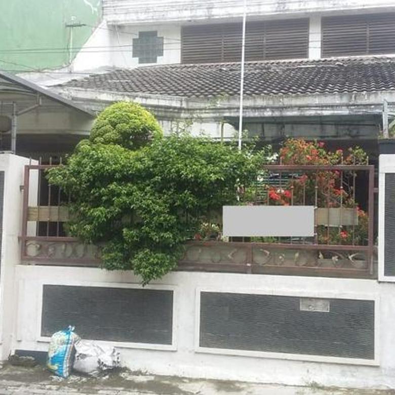 Rumah Simpang Darmo Permai Selatan Surabaya Terawat - SHM