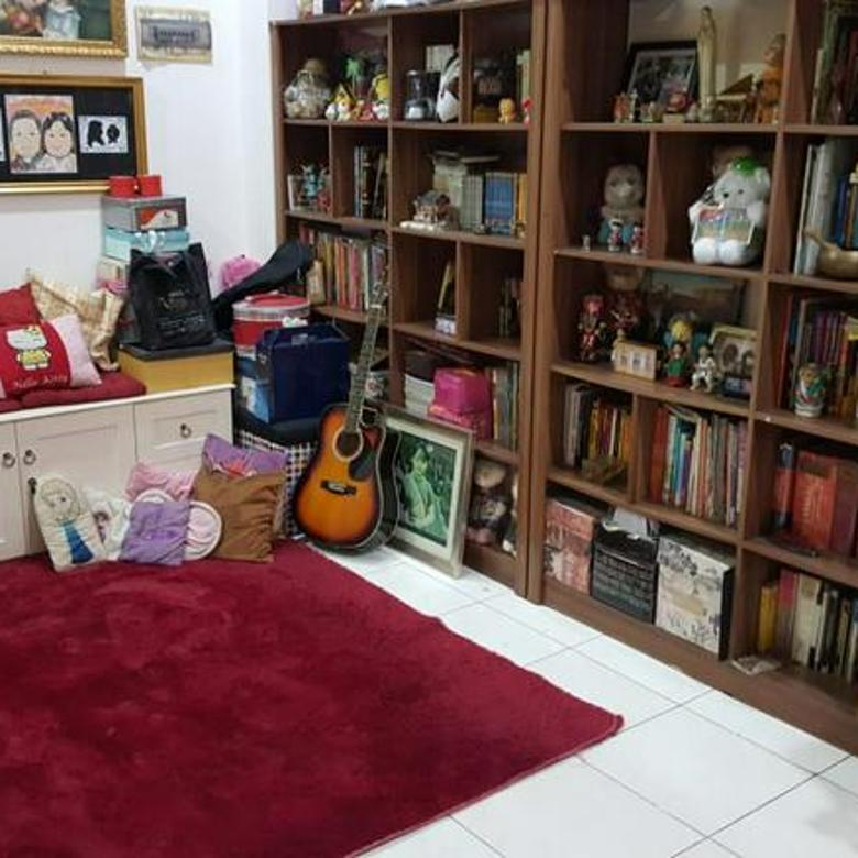 Rumah di Jl. Pinang Emas, Pondok Indah 4BR FOR S.A.L.E.