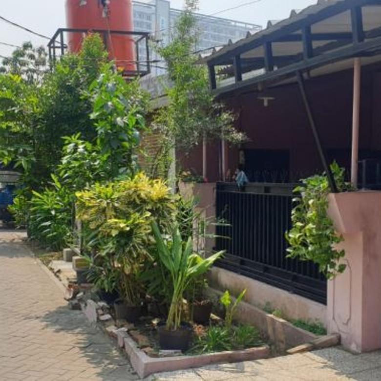 Dijual Rumah di Jln Komplek Kehakiman Veteran Tangerang